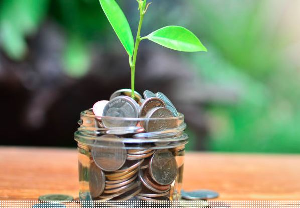 MAKING YOUR SUPPLY CHAIN GREEN DOESN'T HAVE TO COST YOU GREEN